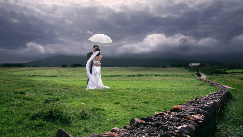 Romantyczne wesele w plenerze
