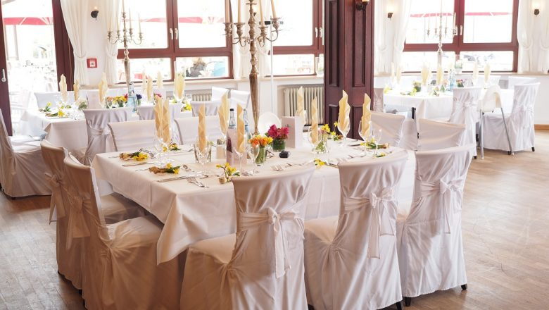 Wesele w namiocie: pomysł na wesele w plenerze