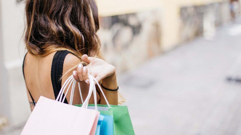 Kupowanie ubrań w sieci